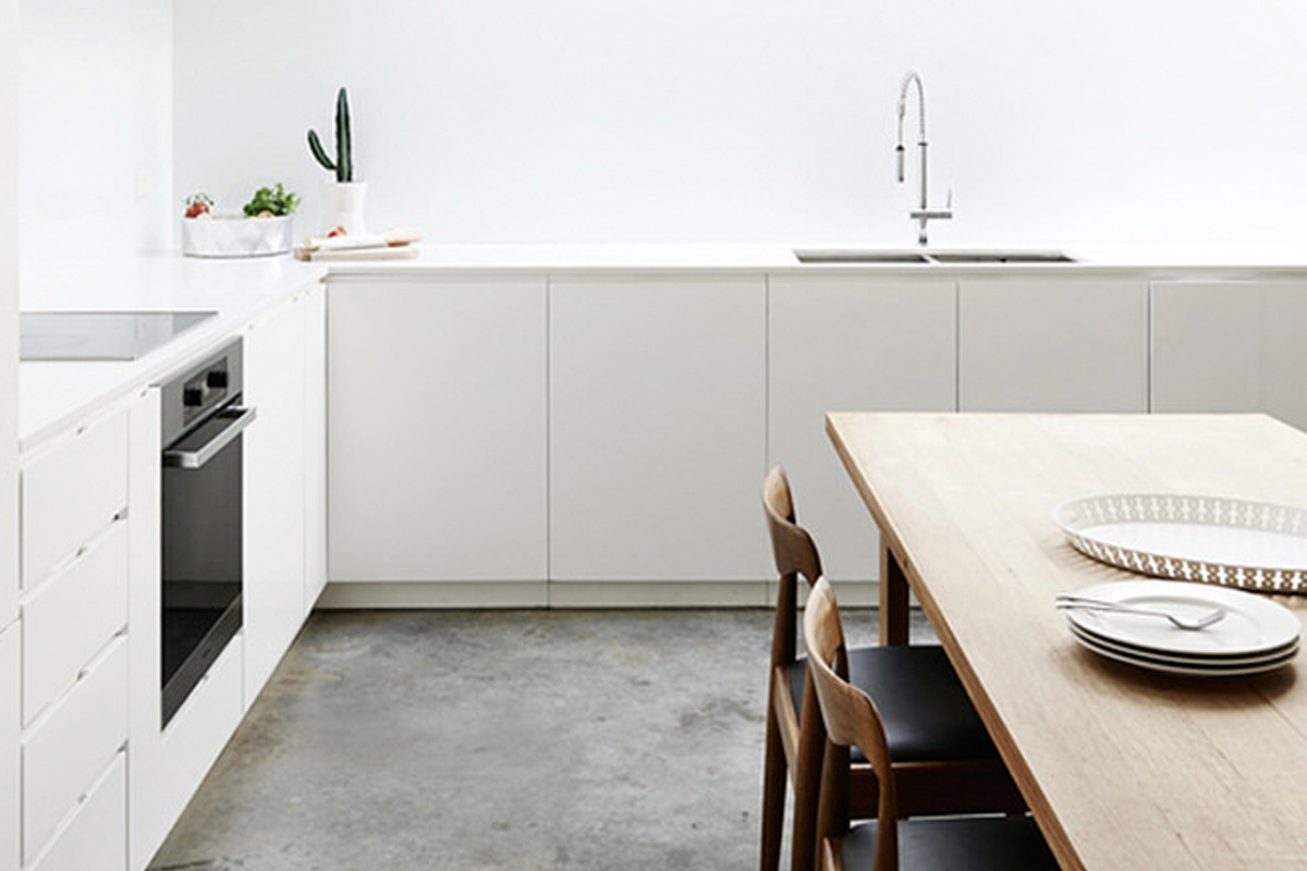 4 Beautiful White Kitchens With A Concrete Floor