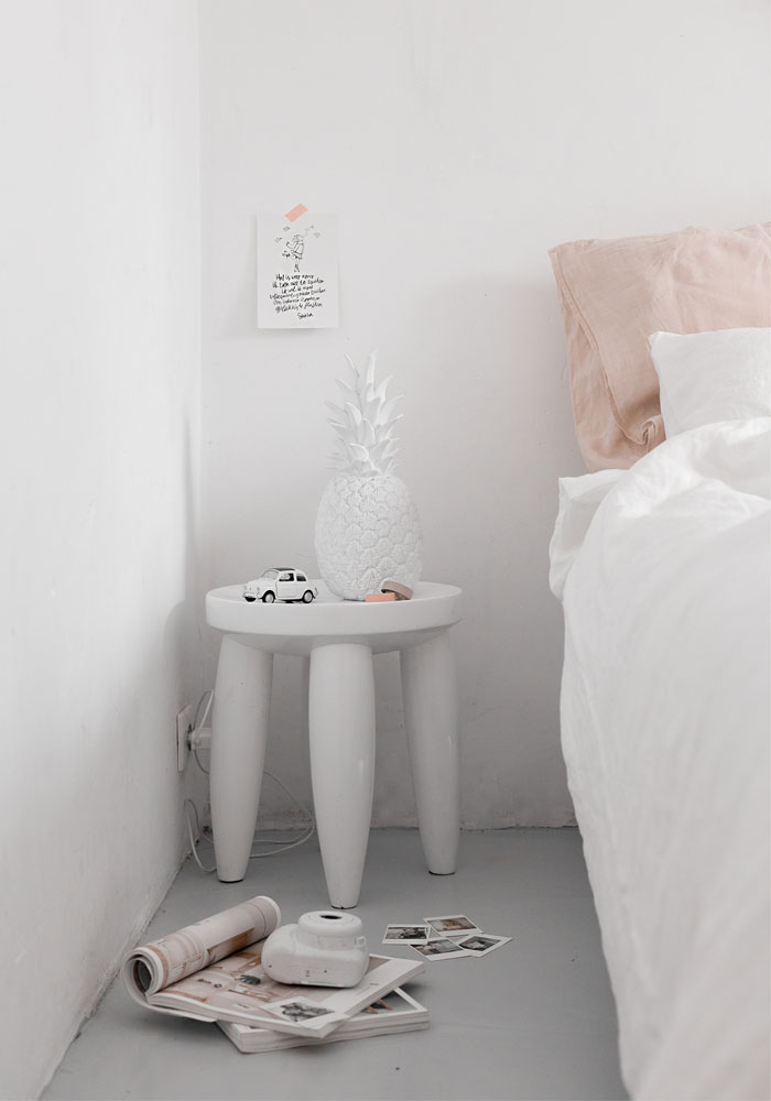 A Teen S Bedroom Makeover In Hues Of Soft Pink Amp White