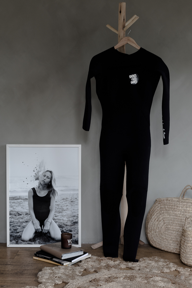 My belated Xmas gift: a SEN NO SEN wetsuit