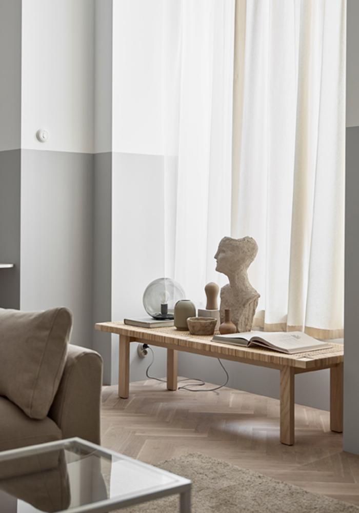 A warm, minimaliste lounge in neutral hues