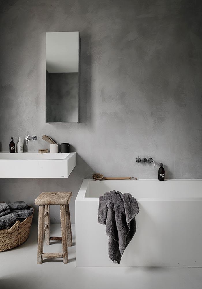 Tadelakt bathroom: A pared-down & natural London home in Grazia